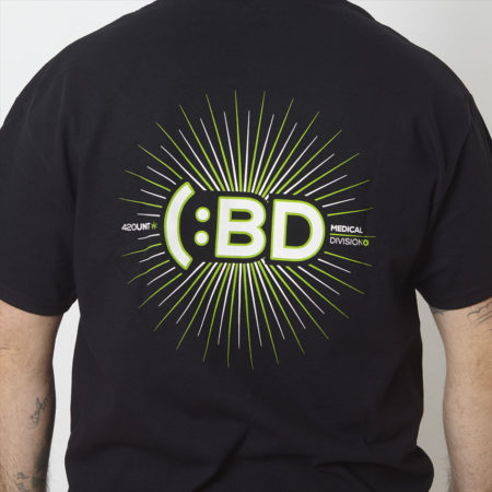camiseta CBD medical division